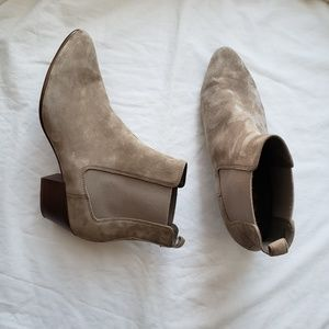 Sam Edelman Reesa Suede Chelsea Booties Putty 10